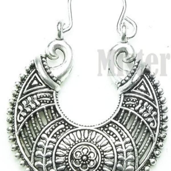 Round Flower Design Dangle Earrings