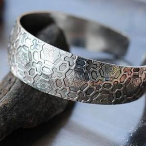 Exotic Design Flower Tibetan Style Bracelet Bangle