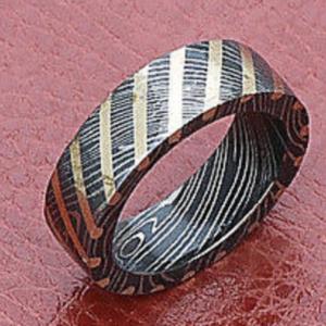 Custom Handmade Damascus steel Wedding ring brass Lines pattern design